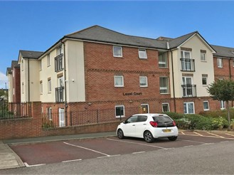 2 bedroom ground floor retirement flat in Cheriton, Folkestone