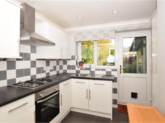 2 bedroom detached house in Whitstable