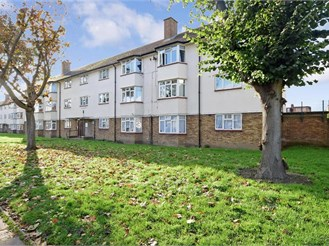 2 bedroom top floor flat in Romford