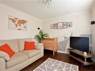 1 bedroom ground floor apartment in Tonbridge