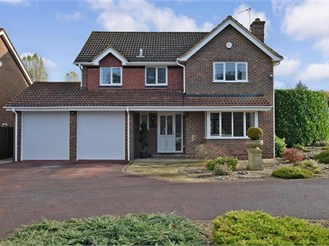 4 bedroom detached house in Ditton