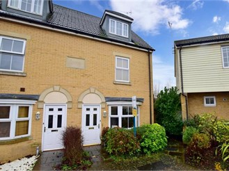 3 bedroom town house in Canterbury