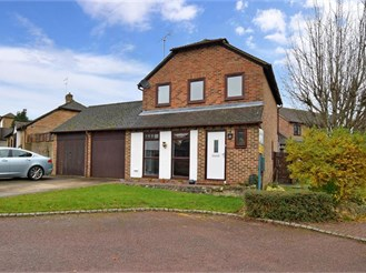 3 bedroom link-detached house in Bearsted, Maidstone
