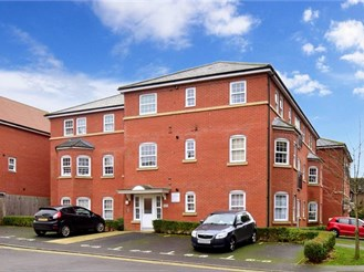 2 bedroom first floor apartment in Canterbury