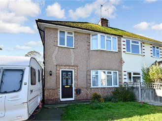 3 bedroom semi-detached house in Ditton, Aylesford