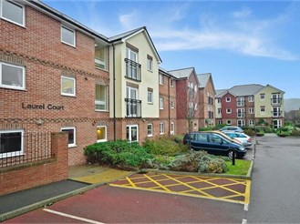 1 bedroom ground floor retirement flat in Cheriton, Folkestone