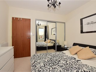 1 bedroom fourth floor apartment in Gillingham