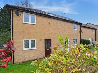2 bedroom end of terrace house in Lords Wood, Chatham