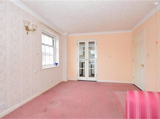 1 bed first floor flat in Canterbury