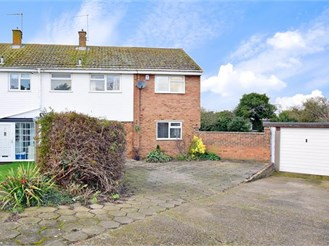 5 bedroom semi-detached house in Cliffe, Rochester