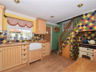 2 bedroom cottage in Higham, Rochester