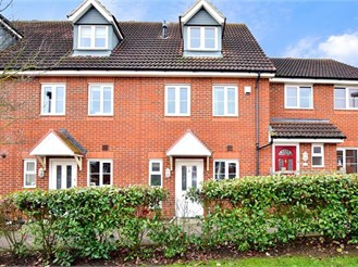 3 bedroom town house in Hoo, Rochester
