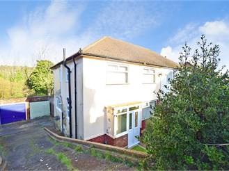 3 bedroom semi-detached house in Elms Vale, Dover