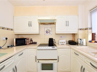 2 bed first floor flat in Gravesend