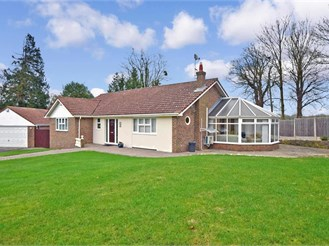 4 bed detached bungalow in East Farleigh, Maidstone