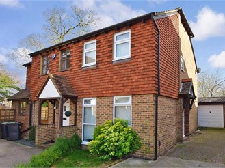 2 bedroom semi-detached house in Ditton, Aylesford