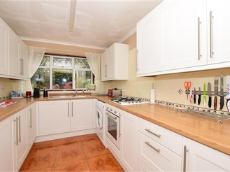 3 bedroom semi-detached house in Boughton Monchelsea, Maidstone