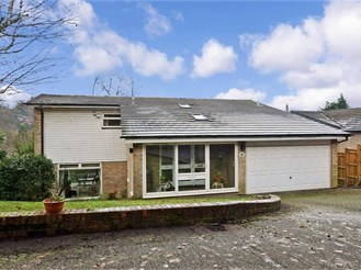 4 bed detached house in Kenley