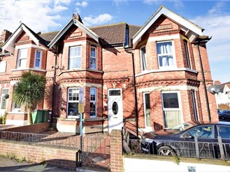 4 bedroom terraced house in Folkestone