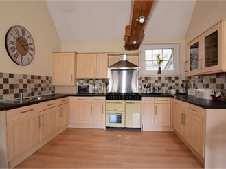 3 bed terraced house in Chatham