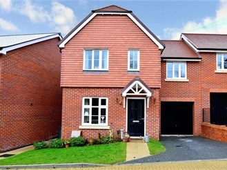 4 bedroom semi-detached house in Barming, Maidstone