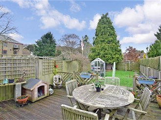 2 bedroom semi-detached house in Temple Ewell, Dover