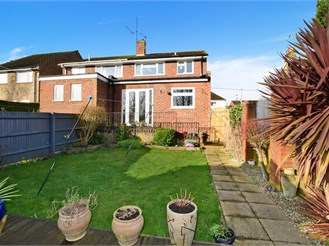 3 bedroom semi-detached house in Halling, Rochester
