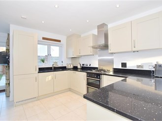 4 bedroom link-detached house in Newington, Sittingbourne