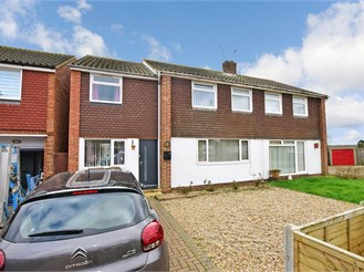 4 bedroom semi-detached house in Sturry, Canterbury