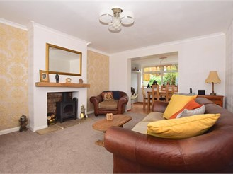 3 bedroom semi-detached house in Seabrook, Hythe