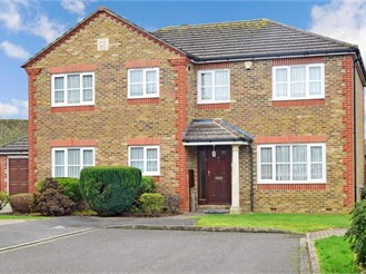 5 bed detached house in Shirley, Croydon