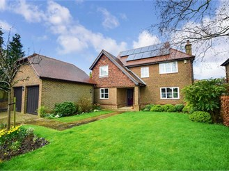 4 bedroom detached house in Waltham, Canterbury