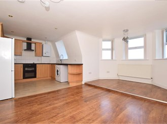 2 bedroom top floor duplex in Folkestone
