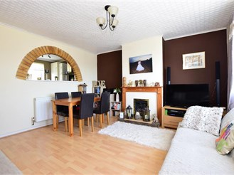 3 bedroom terraced house in Dover