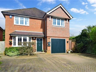 4 bedroom detached house in Penenden Heath, Maidstone