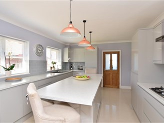 5 bedroom detached house in Whitstable