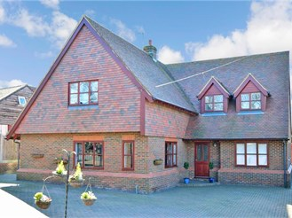 5 bed detached house in Whitstable
