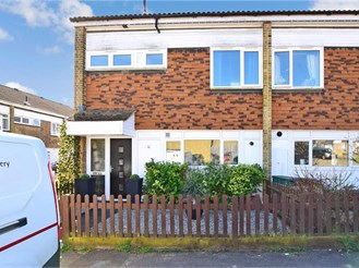 3 bedroom end of terrace house in Chattenden, Rochester
