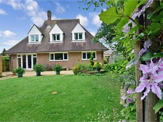 4 bedroom detached house in Smarden, Ashford
