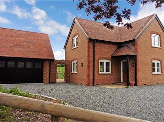4 bedroom detached house in Horton Kirby