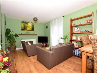 2 bedroom top floor flat in Whitstable