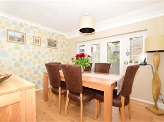 3 bedroom semi-detached house in Dover