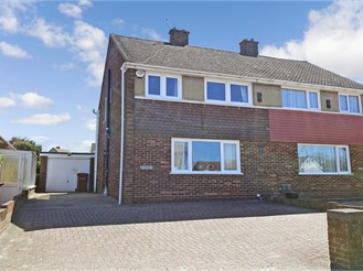 3 bedroom semi-detached house in Chattenden, Rochester