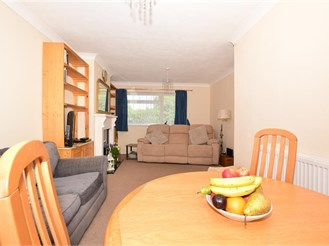 2 bedroom semi-detached bungalow in Cliffsend, Ramsgate