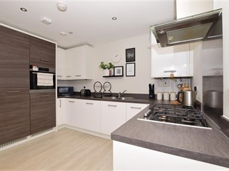 2 bedroom ground floor apartment in Halling, Rochester