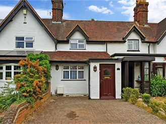 2 bedroom cottage in Ditton, Aylesford