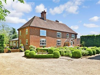 5 bedroom detached house in Chilham, Canterbury