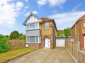 4 bedroom detached house in Maxton, Dover