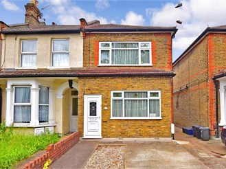 3 bedroom end of terrace house in Goodmayes