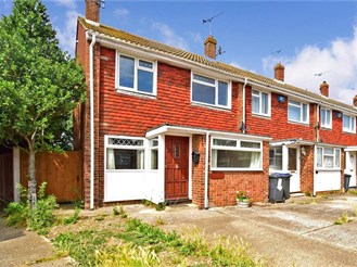 3 bedroom semi-detached house in Greenhill, Herne Bay